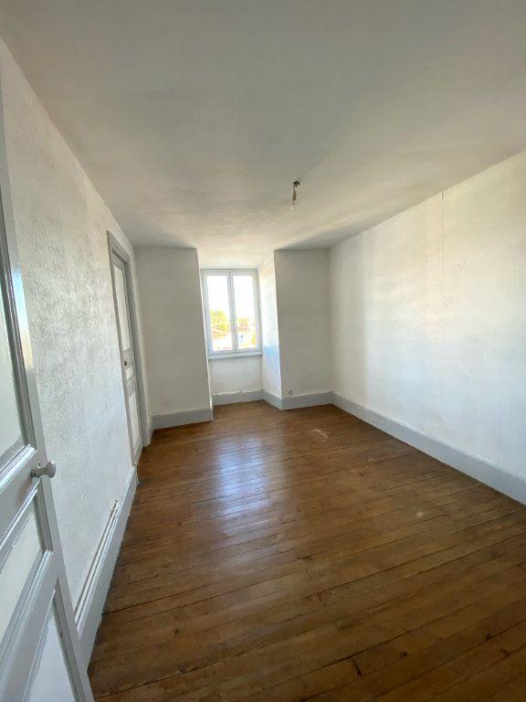 Appartement à louer 4 80m2 à Mont-de-Marsan vignette-5