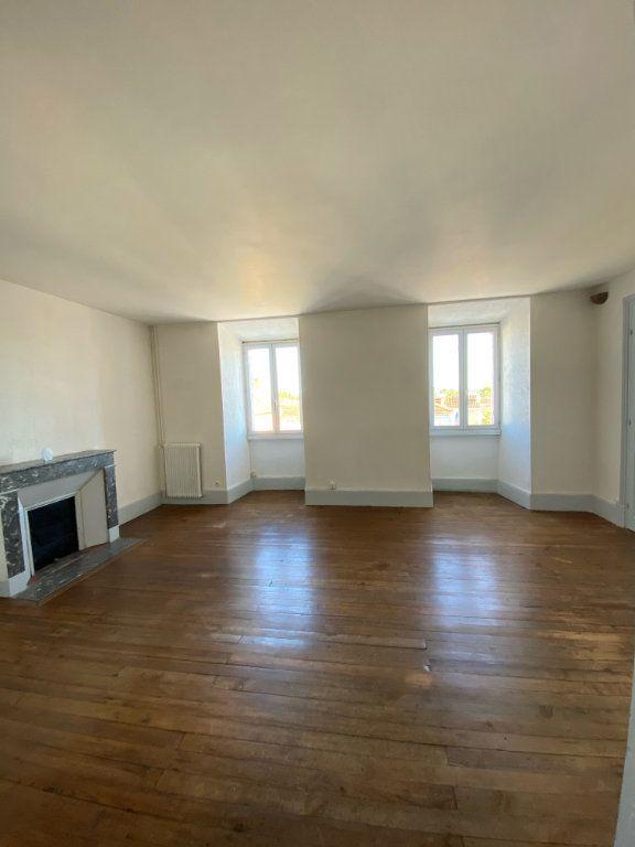 Appartement à louer 4 80m2 à Mont-de-Marsan vignette-6