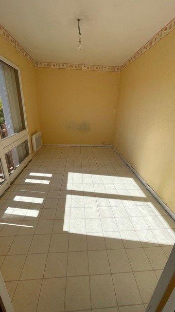 Appartement à louer 3 77m2 à Mont-de-Marsan vignette-3