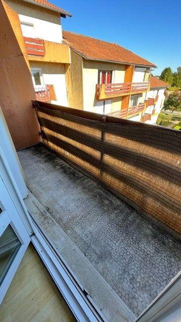 Appartement à louer 3 77m2 à Mont-de-Marsan vignette-9