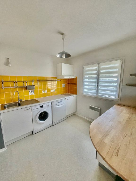 Appartement à louer 3 62m2 à Mont-de-Marsan vignette-1