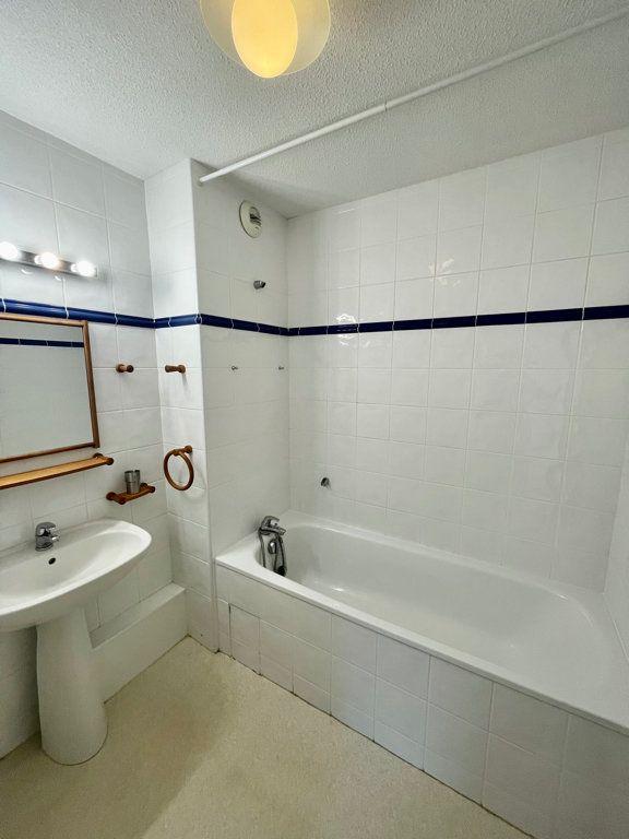 Appartement à louer 3 62m2 à Mont-de-Marsan vignette-4