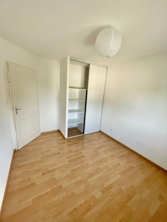 Appartement à louer 3 62m2 à Mont-de-Marsan vignette-5