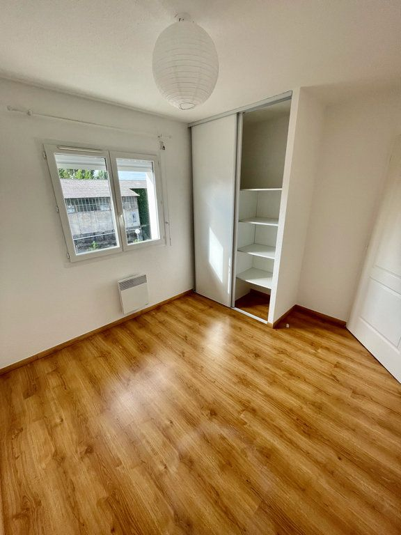 Appartement à louer 3 62m2 à Mont-de-Marsan vignette-6