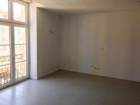 Appartement à louer 3 64.25m2 à Villeneuve-de-Marsan vignette-1