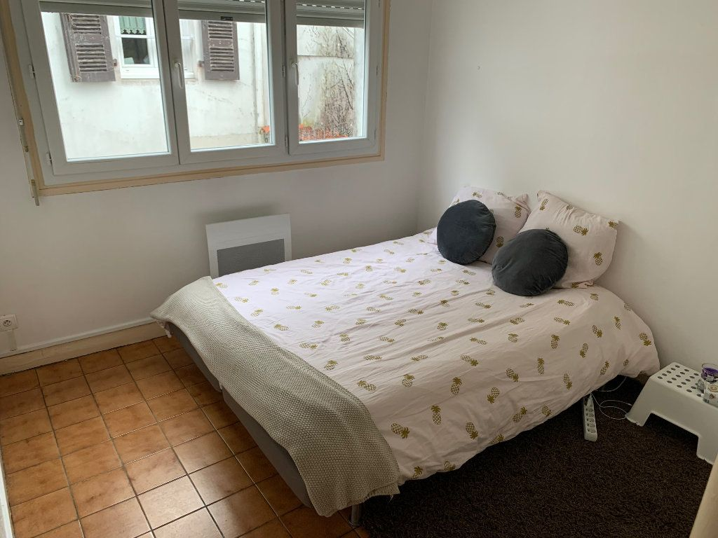Appartement à louer 2 36m2 à Peyrehorade vignette-2