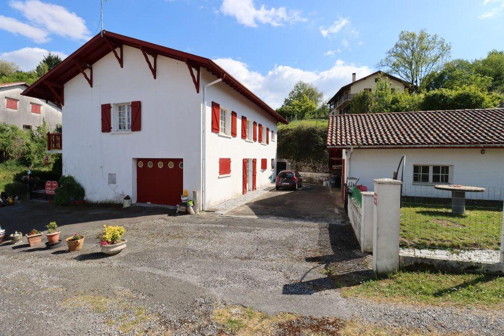 Maison à vendre 6 188m2 à Guiche vignette-1
