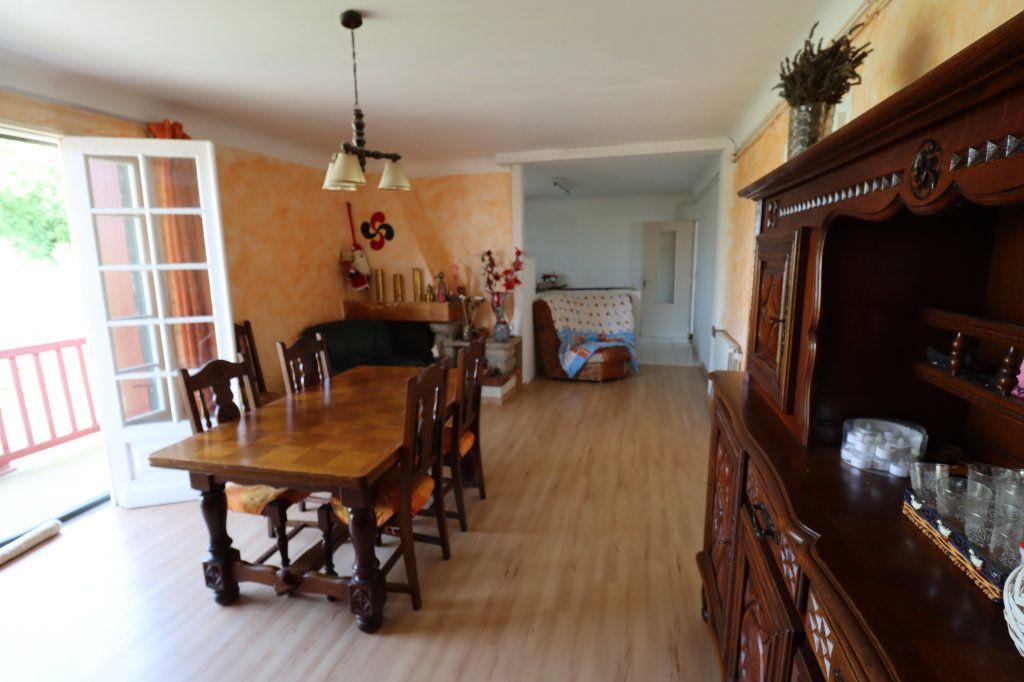 Maison à vendre 6 188m2 à Guiche vignette-9
