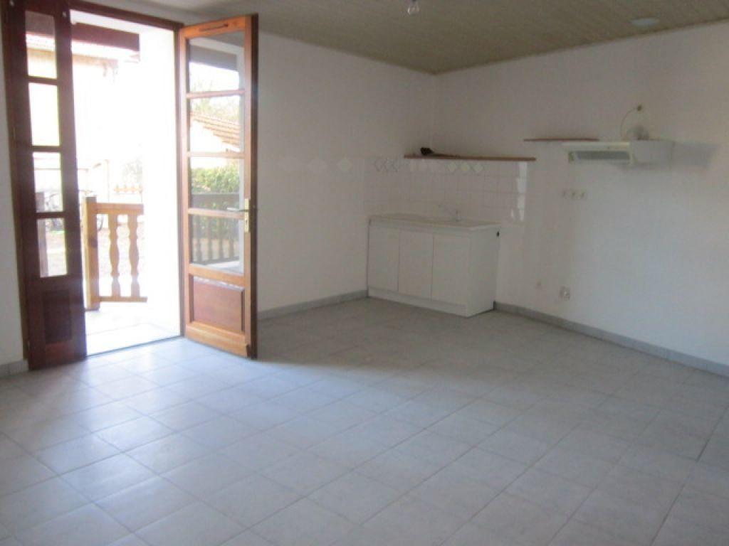 Appartement à louer 5 75.35m2 à Tartas vignette-3