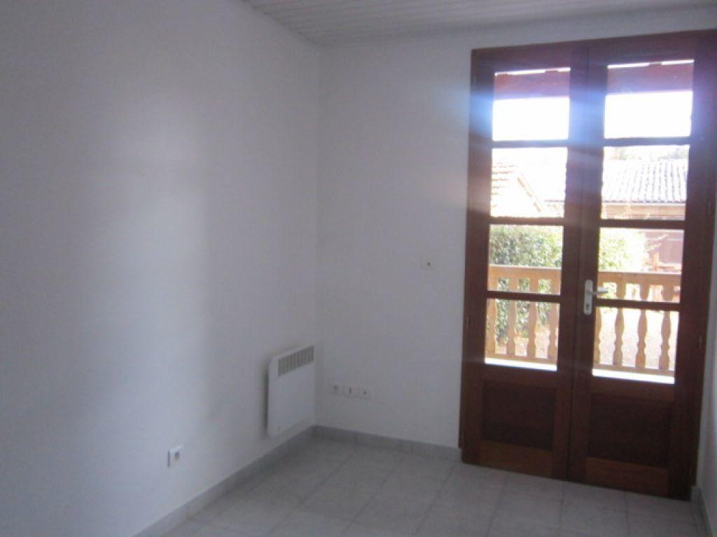 Appartement à louer 5 75.35m2 à Tartas vignette-4