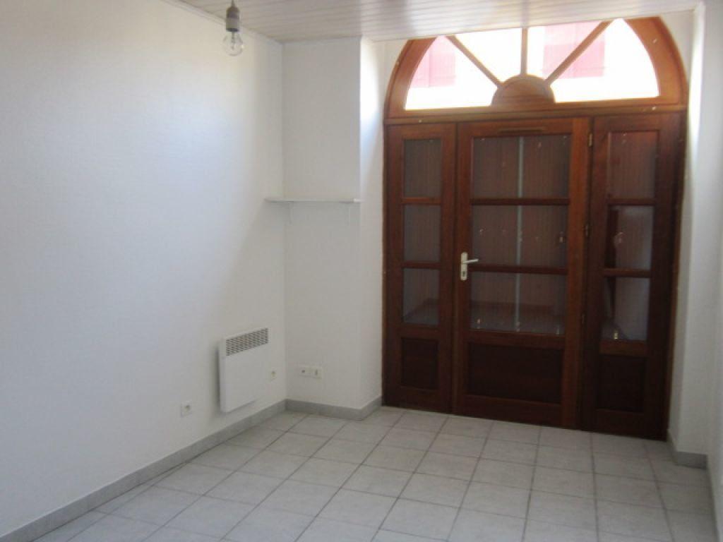 Appartement à louer 5 75.35m2 à Tartas vignette-5