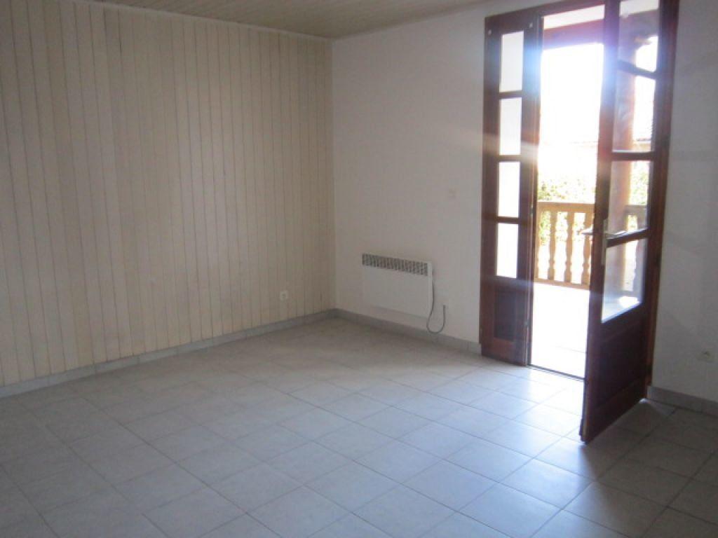 Appartement à louer 5 75.35m2 à Tartas vignette-6
