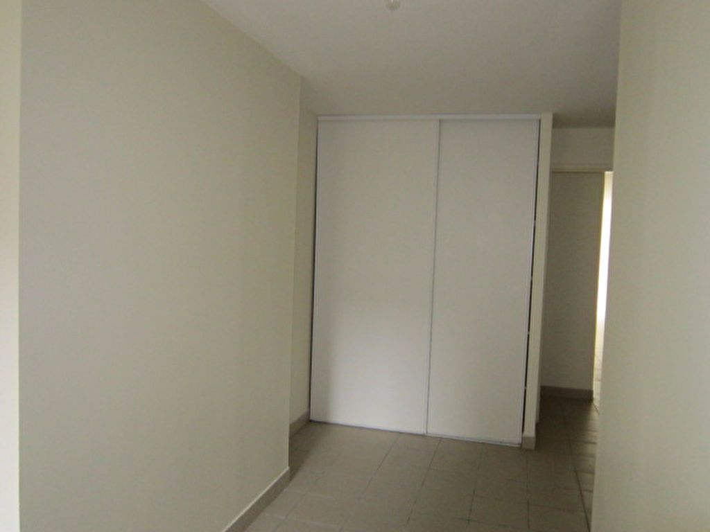 Appartement à louer 3 56.42m2 à Tartas vignette-5