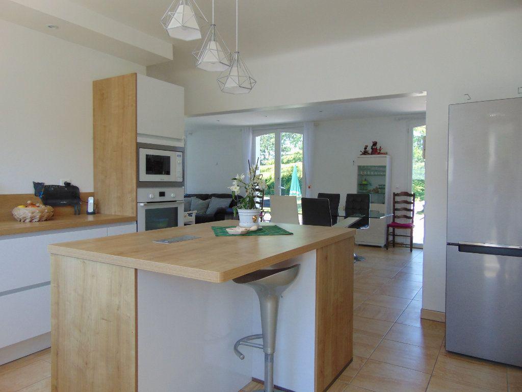 Maison à vendre 9 230m2 à Rion-des-Landes vignette-4