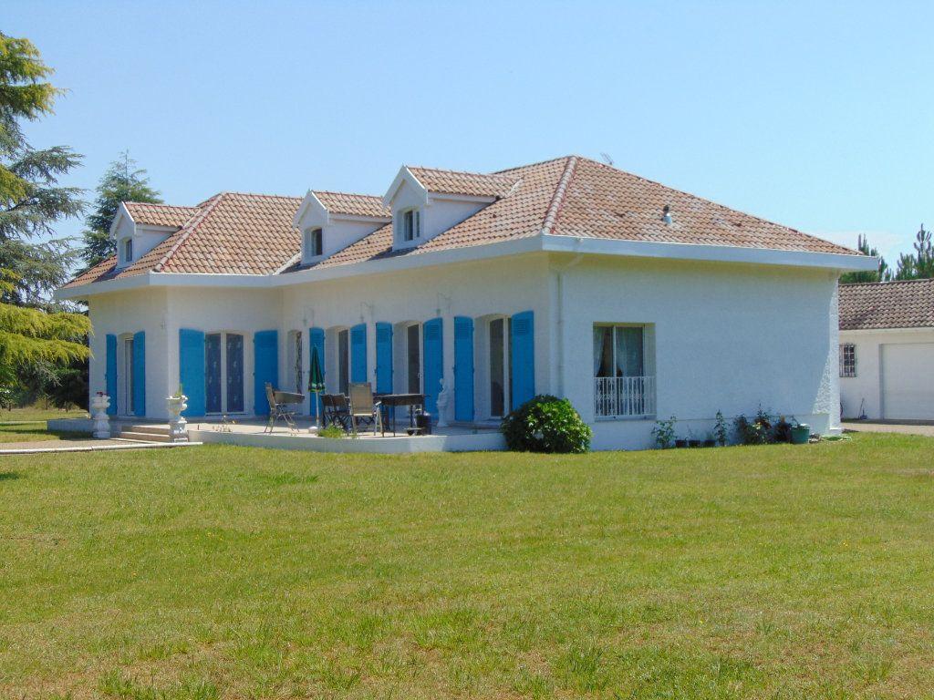 Maison à vendre 9 230m2 à Rion-des-Landes vignette-14