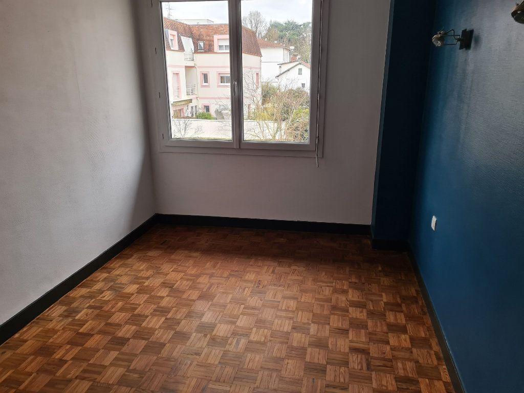 Appartement à louer 4 91.05m2 à Dax vignette-2