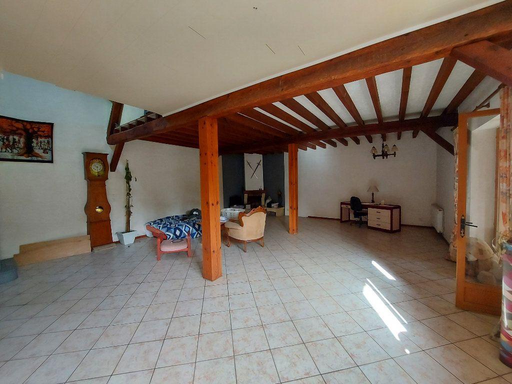 Maison à vendre 18 561m2 à Rion-des-Landes vignette-5