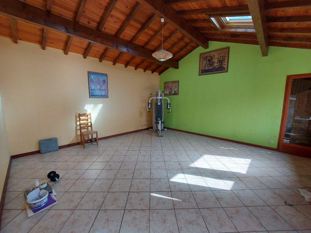 Maison à vendre 18 561m2 à Rion-des-Landes vignette-6