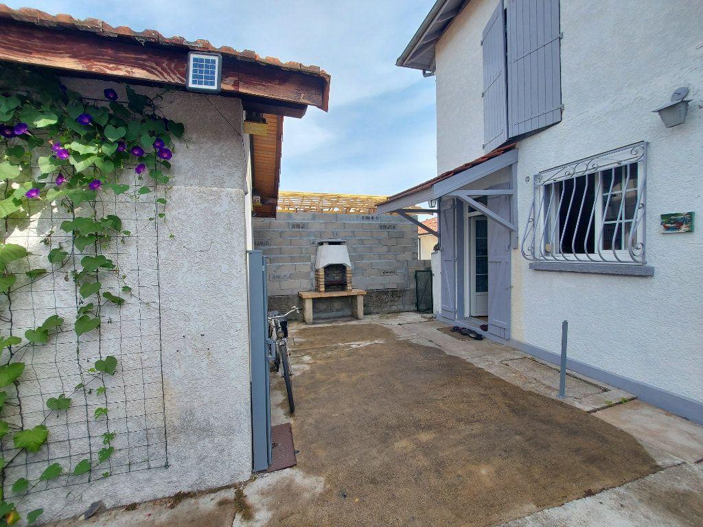 Maison à vendre 4 88m2 à Rion-des-Landes vignette-1