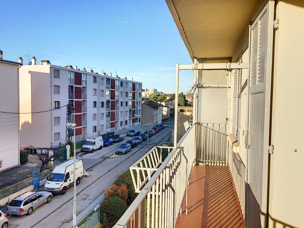 Appartement à vendre 5 76.21m2 à La Seyne-sur-Mer vignette-1