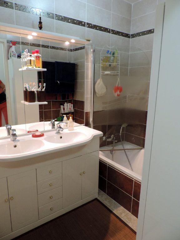 Appartement à vendre 3 74.1m2 à La Seyne-sur-Mer vignette-6