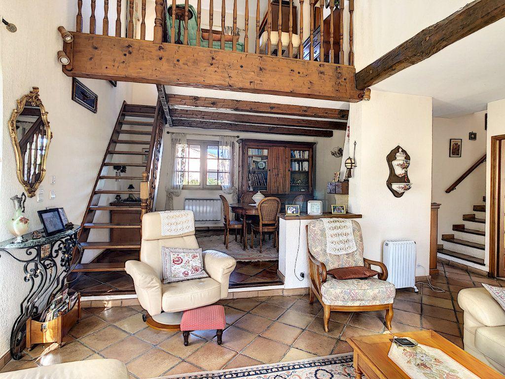 Maison à vendre 4 106.35m2 à La Seyne-sur-Mer vignette-6