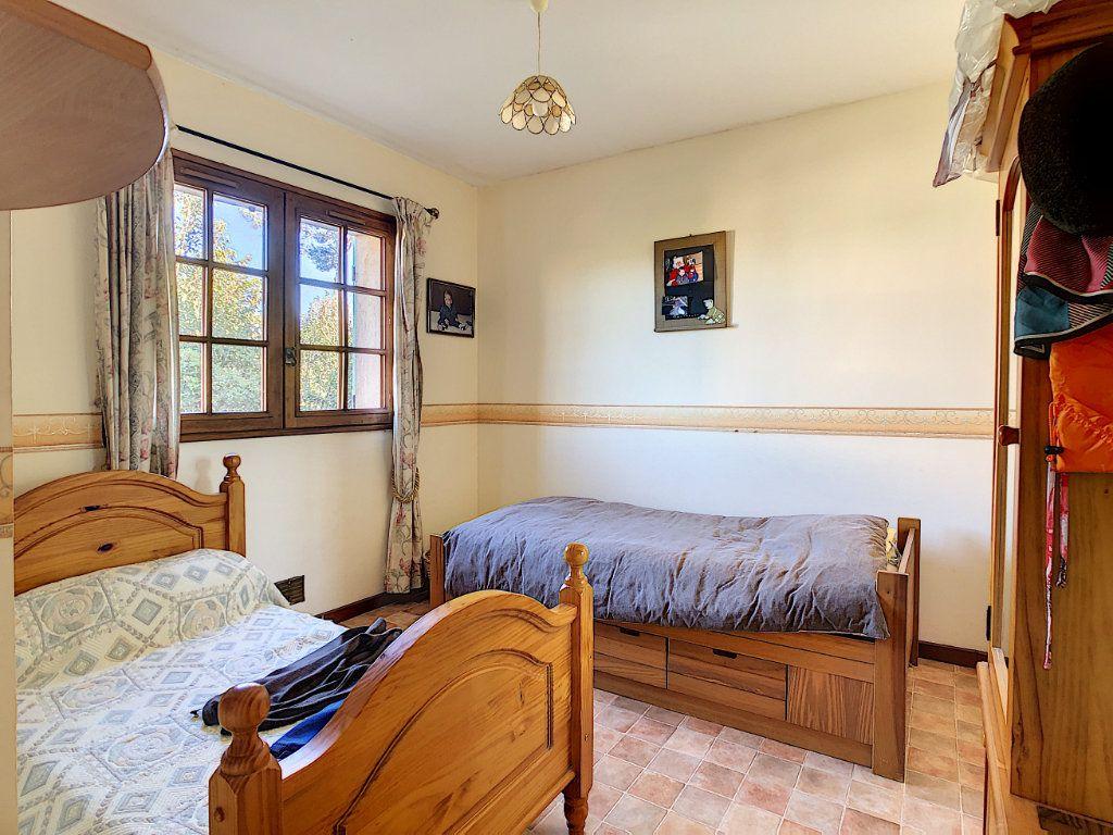 Maison à vendre 4 106.35m2 à La Seyne-sur-Mer vignette-8