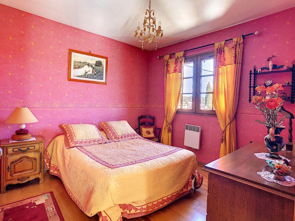 Maison à vendre 4 106.35m2 à La Seyne-sur-Mer vignette-9