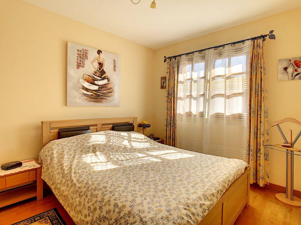 Maison à vendre 4 106.35m2 à La Seyne-sur-Mer vignette-11