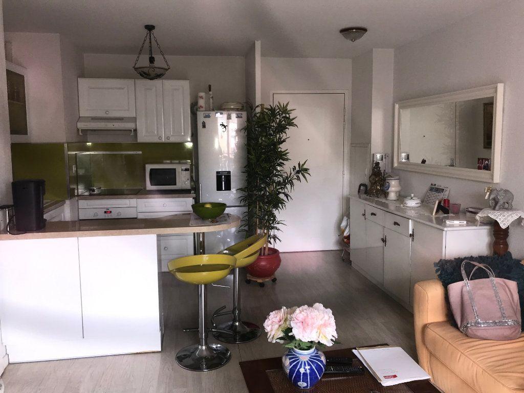 Appartement à vendre 2 39m2 à La Seyne-sur-Mer vignette-1