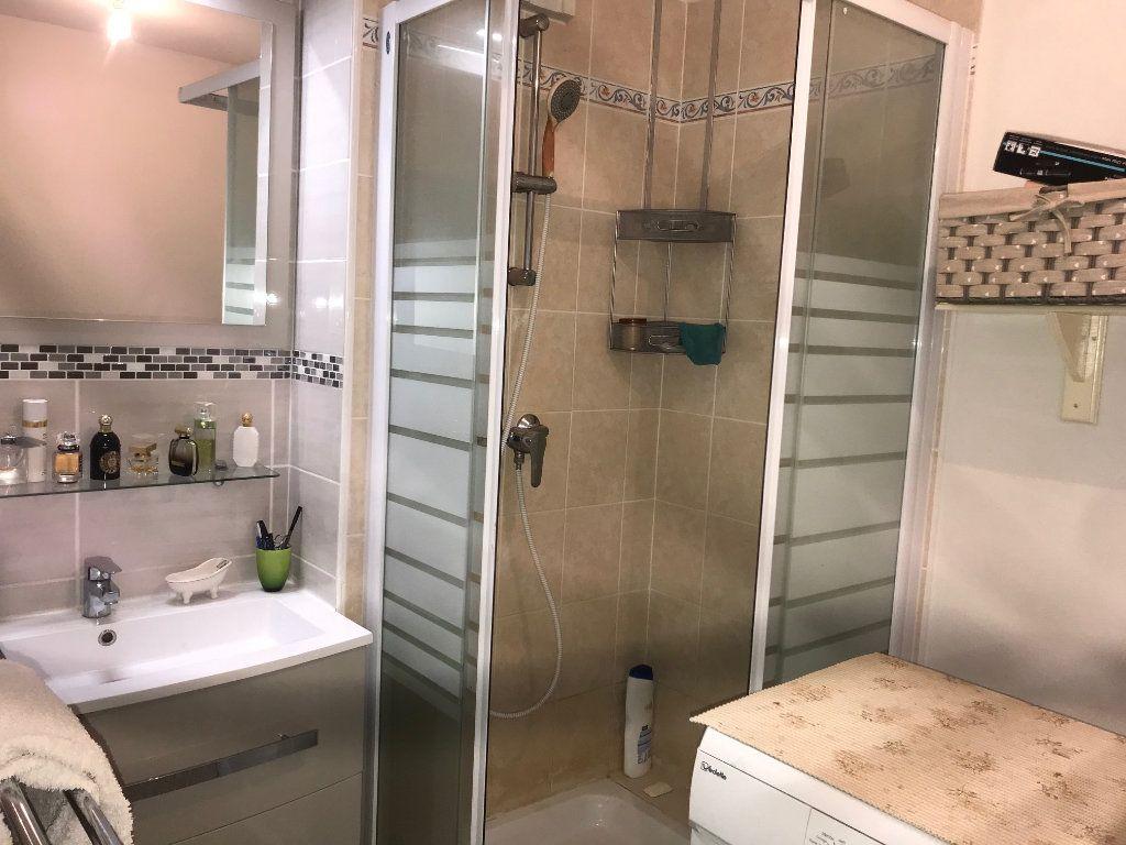 Appartement à vendre 2 39m2 à La Seyne-sur-Mer vignette-3