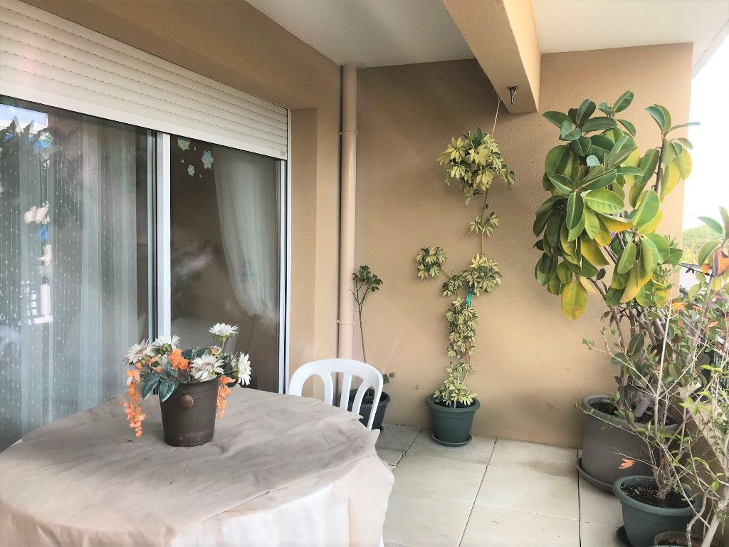 Appartement à vendre 3 61.92m2 à La Seyne-sur-Mer vignette-5