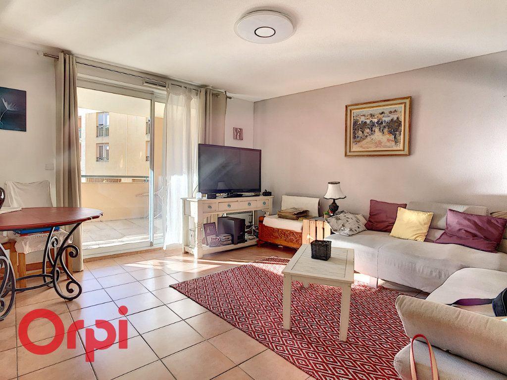 Appartement à vendre 3 62.87m2 à La Seyne-sur-Mer vignette-1