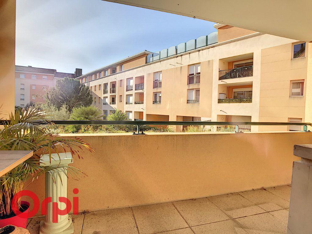 Appartement à vendre 3 62.87m2 à La Seyne-sur-Mer vignette-2