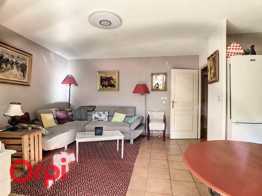 Appartement à vendre 3 62.87m2 à La Seyne-sur-Mer vignette-3