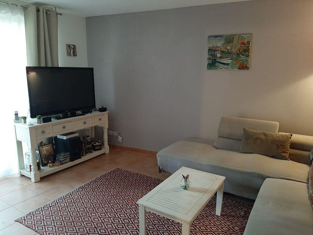Appartement à vendre 3 62.87m2 à La Seyne-sur-Mer vignette-5