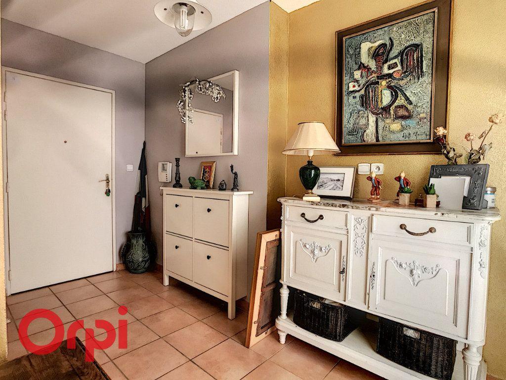 Appartement à vendre 3 62.87m2 à La Seyne-sur-Mer vignette-8