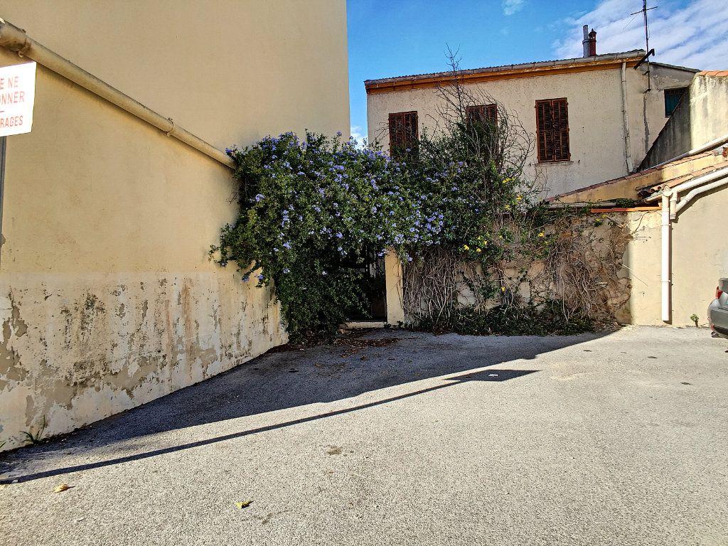 Maison à vendre 4 95m2 à La Seyne-sur-Mer vignette-3