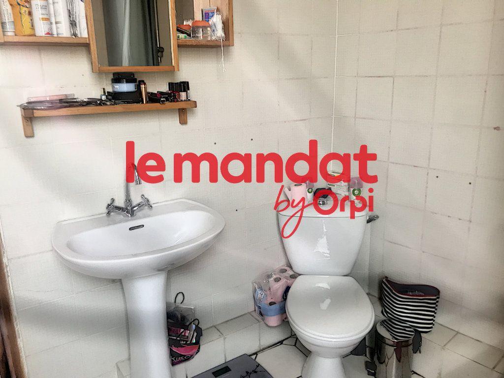 Appartement à vendre 2 50.82m2 à La Seyne-sur-Mer vignette-9