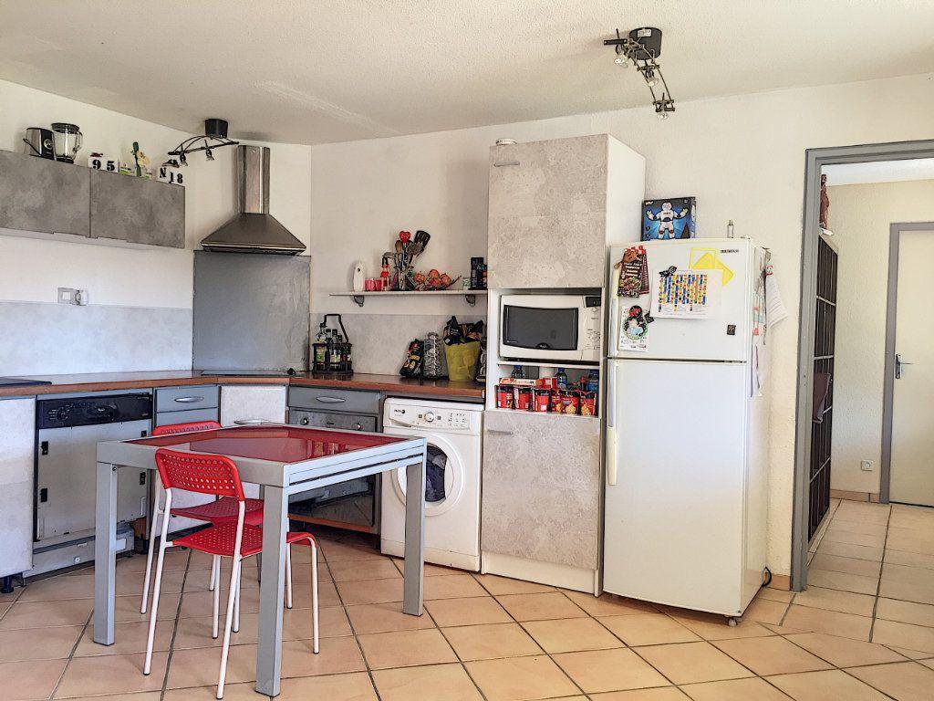 Appartement à vendre 3 50m2 à La Seyne-sur-Mer vignette-5