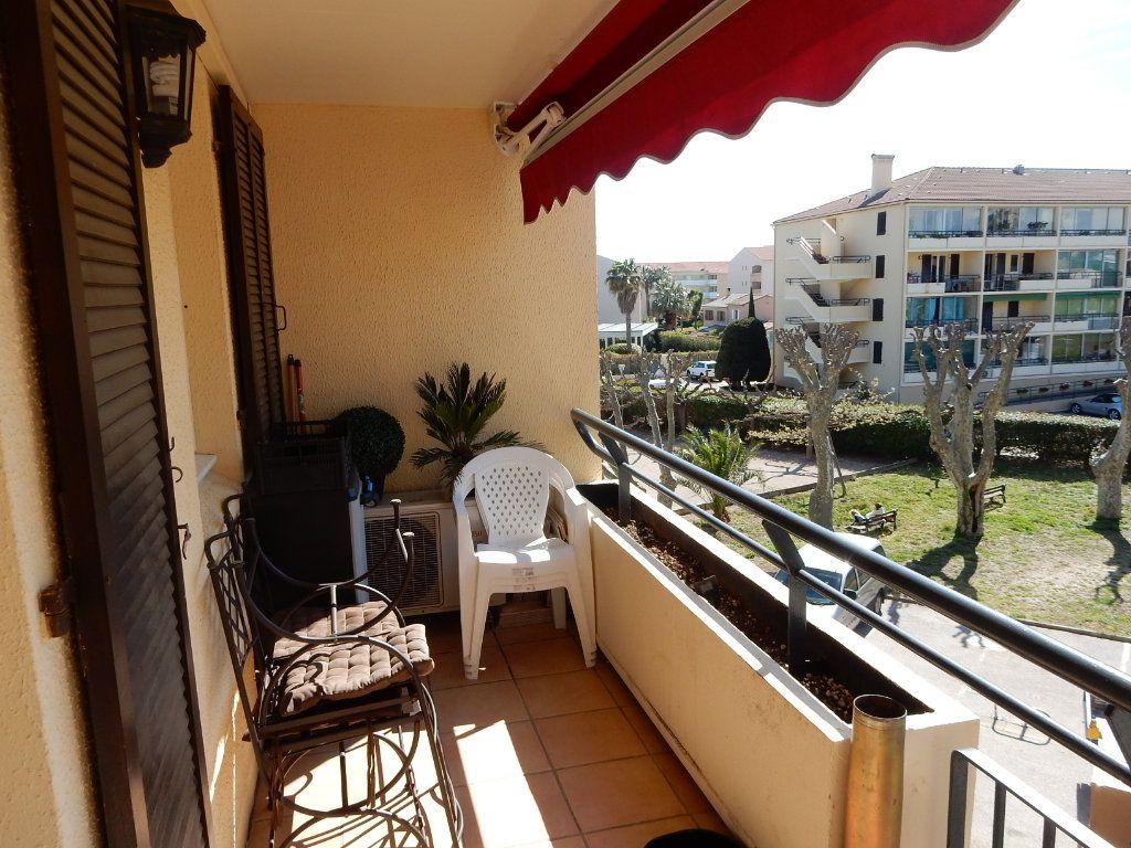 Appartement à vendre 3 50m2 à La Seyne-sur-Mer vignette-6
