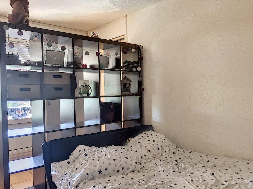 Appartement à vendre 3 50m2 à La Seyne-sur-Mer vignette-8