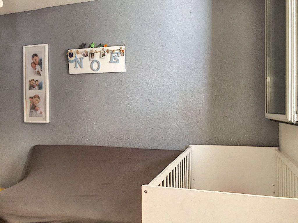 Appartement à vendre 3 50m2 à La Seyne-sur-Mer vignette-12