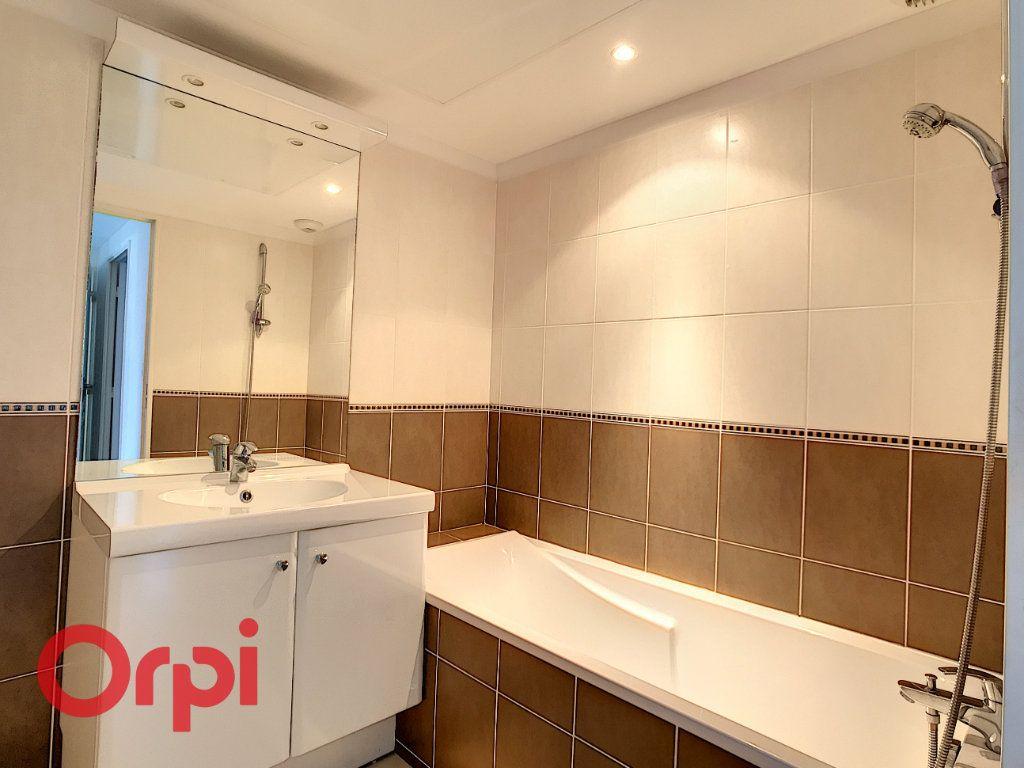 Appartement à vendre 3 68m2 à La Seyne-sur-Mer vignette-4