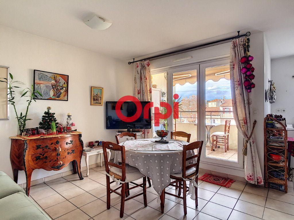 Appartement à vendre 2 40.4m2 à La Seyne-sur-Mer vignette-1