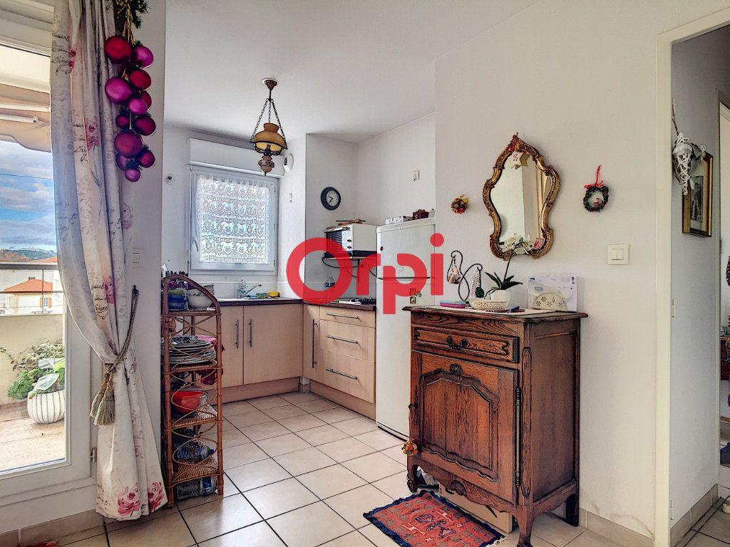 Appartement à vendre 2 40.4m2 à La Seyne-sur-Mer vignette-3