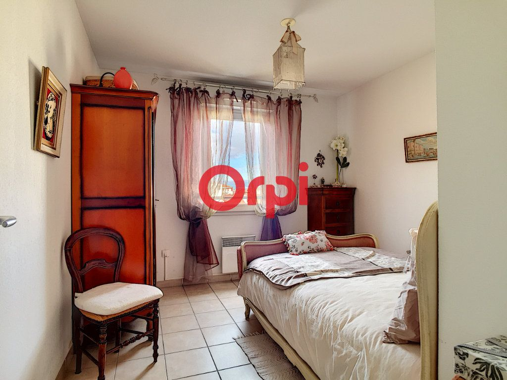 Appartement à vendre 2 40.4m2 à La Seyne-sur-Mer vignette-4