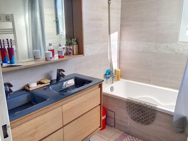 Appartement à vendre 4 79.79m2 à La Seyne-sur-Mer vignette-4