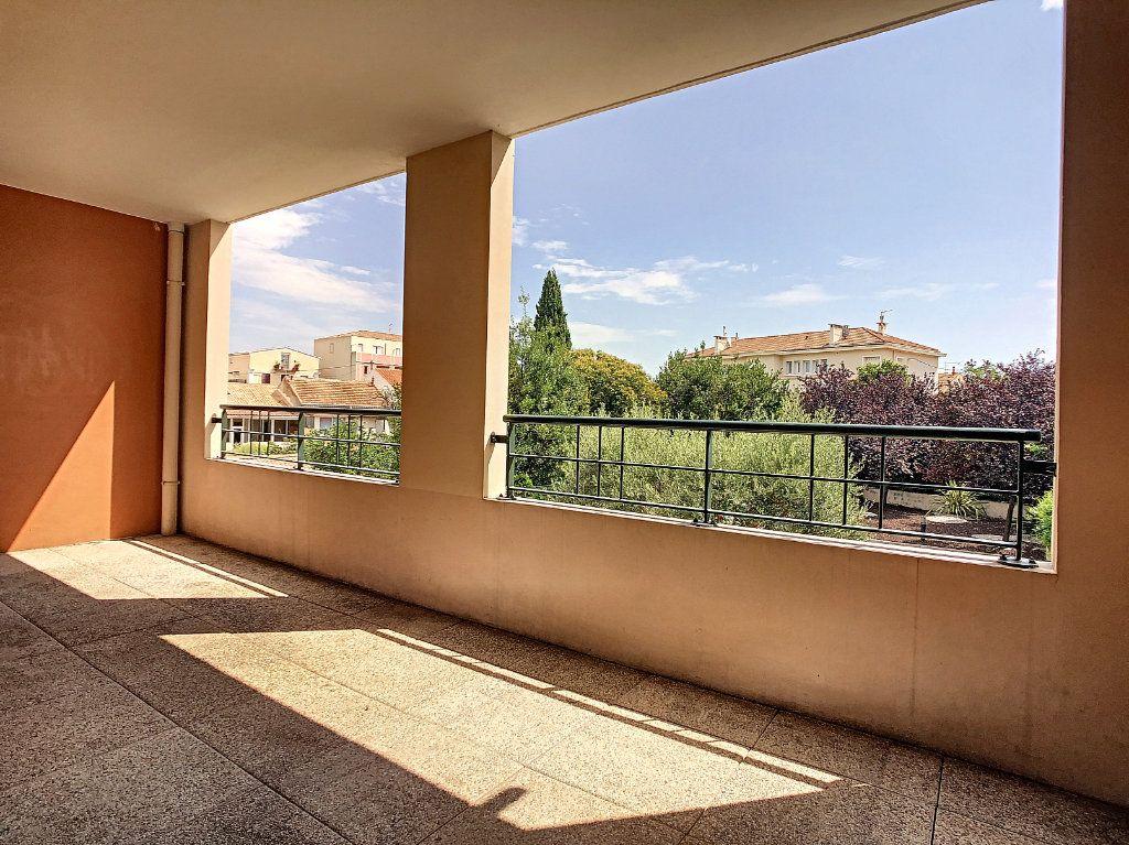 Appartement à vendre 3 63.5m2 à La Seyne-sur-Mer vignette-1