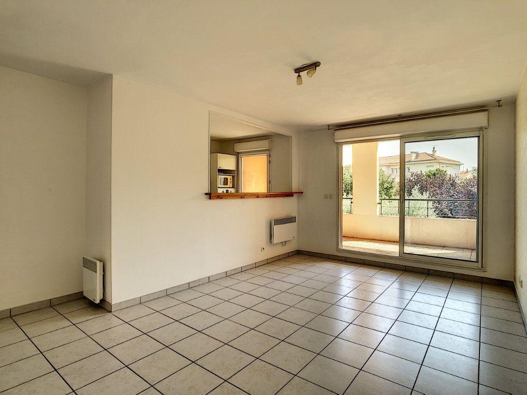 Appartement à vendre 3 63.5m2 à La Seyne-sur-Mer vignette-3